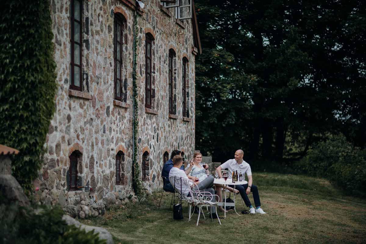 Lille Restrup er en hovedgård ved Aalestrup
